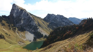 Lac d'Arvouin in Autumn